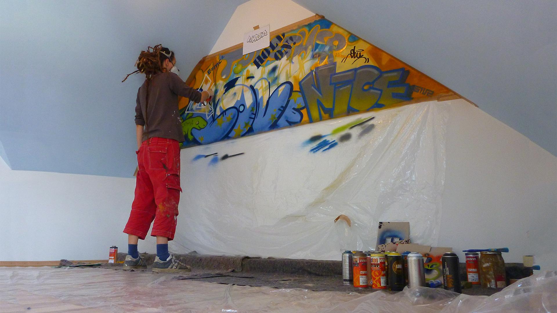 Jugendzimmer mit graffiti siuz for Graffiti jugendzimmer